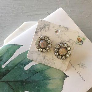 Jewelry - Cute crystal studs